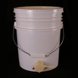 Pail – Bottling, 5 gallon w/ lid